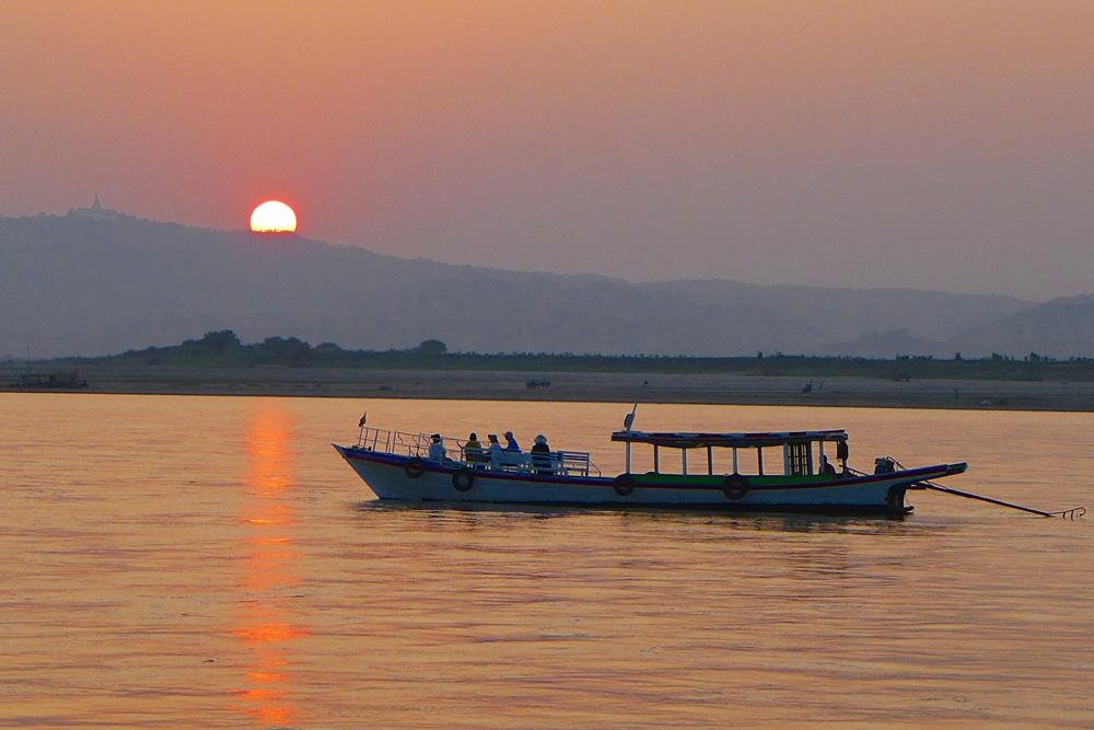 1-irrawaddy-river-sunset
