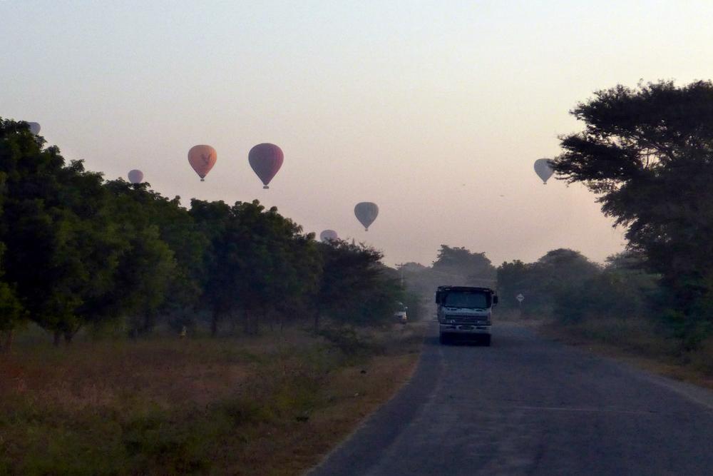14-bagan-air-baloon