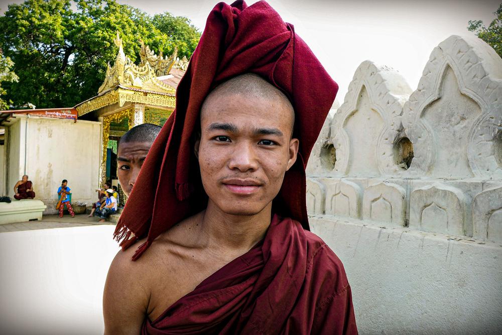 5-buddhist-monk-mount-popa
