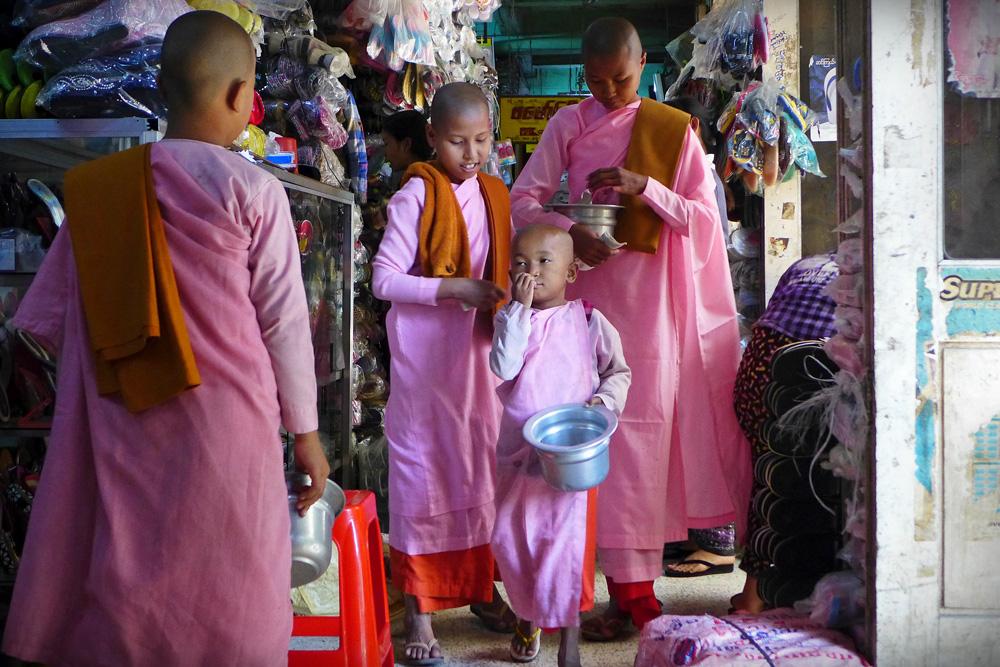 5-buddhist-nuns-mandalay